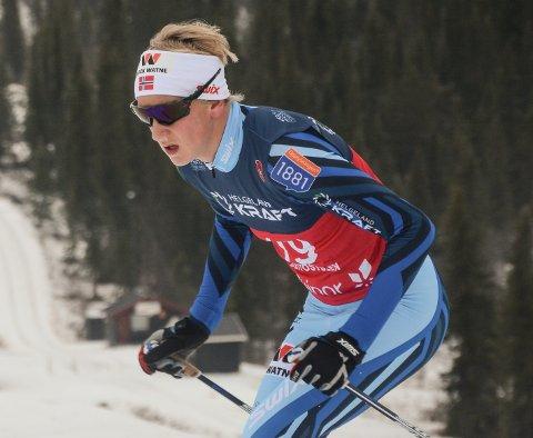 Sebastian Østvold deltok på Opplands lag som tok sølv på lagsprinten i junior-NM.