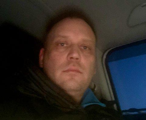 SLUTTER: Entreprenør Rune Thomassen sier opp brøytekontrakten i Nord-Troms etter lang tid med netthets. - Vintervedlikehold er verdens mest utakknemlige jobb. Foto: Privat