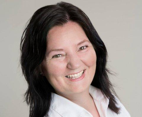 Gul: Britt Egeland Gulbrandsen er ordførerkandidat for KrF i Indre Østfold. I kveld vil hun helst stemme gul, det vil si som dagens situasjon. ARKIVFOTO
