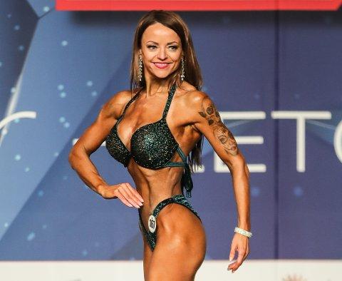Tone Elise Olstad, bikinifitness