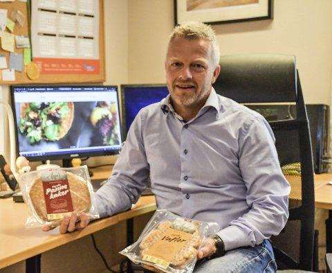 Penger i pannekaker: Kakemesteren i Åmli lager 600 tonn med pannekaker i året. Nå har de landet en storkontrakt hvor de må levere godt og vel 500 tonn til. Det betyr, i  tillegg til mange flere pannekaker, mer penger i kassa og flere ansatte. – Kjempegøy, sier daglig leder Tom Johnsen.Foto: Arkiv