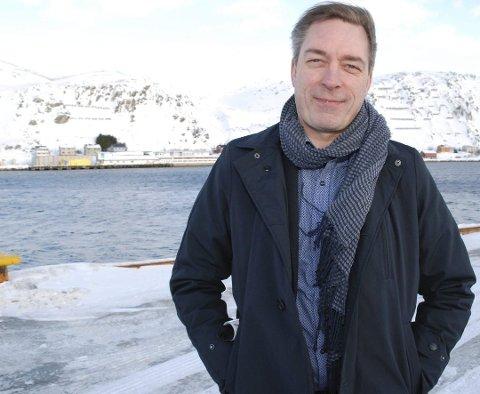 TIL SON: Forsvarsminister Frank Bakke-Jensen deltar på et åpent møte i Son tirsdag 29. januar.