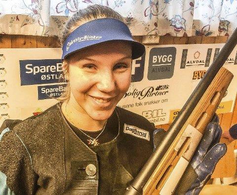 Mesteren: Gunhild Helstad, Ø.Rendal -årets samlagsmester på 15m i Nord-Østerdal skyttersamlag. ALLE FOTO: hANS sOLLID