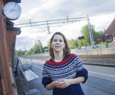 Solveig Schytz (V)Leder av hovedutvalg for samferdsel i Akershus, førstekandidat for Viken Venstre
