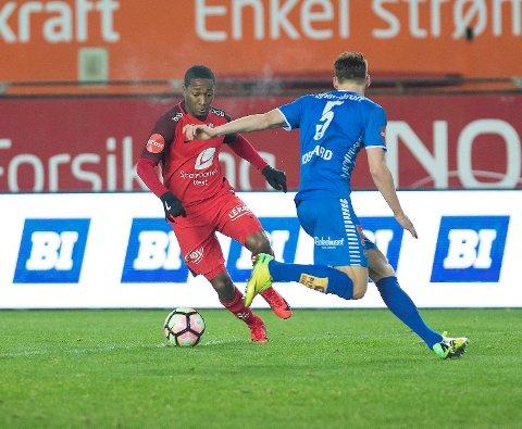 Ludcinio Marengo (t.v.) scoret 1-0 etter halvannet minutt søndag, men det endte 2-2 mot Tromsø i årets siste seriemamp for Brann.
