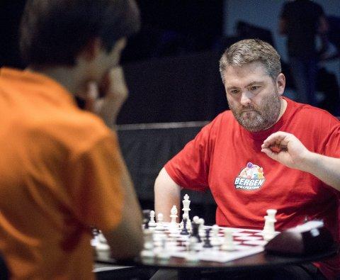 Ole Valaker reagerer sterkt på spillere som jukser. Han har tidligere avdekket juks i norsk sjakk, og nå står han oppe i en ny juksesak.