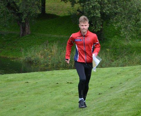 Debuterer: 14 år gamle Emil Husebye Aamodt har klare mål foran sitt første Hovedløp for yngre. Her under sprinttrening i Gamlebyen onsdag.