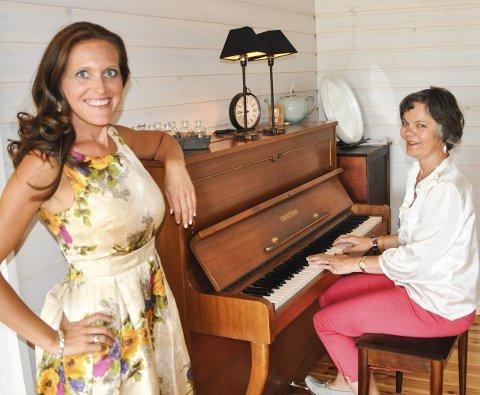 I MARIAKIRKEN: Gunda-Marie Bruce og Ann Toril Lindstad blir å høre i Mariakirken denne sommeren.