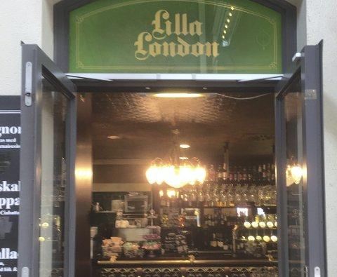 LONDON: «Det nærmeste jeg kommer London», skriver Jan Olav, ledsaget av et bildet av «Lilla London» på Göteborg Centralstation.
