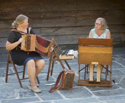 Konsert: Rannveig Djønne og Inger-Elisabeth Aarvik djupdykkar i 20 års samarbeid ikonsert i Herand sundag. Foto: Privat