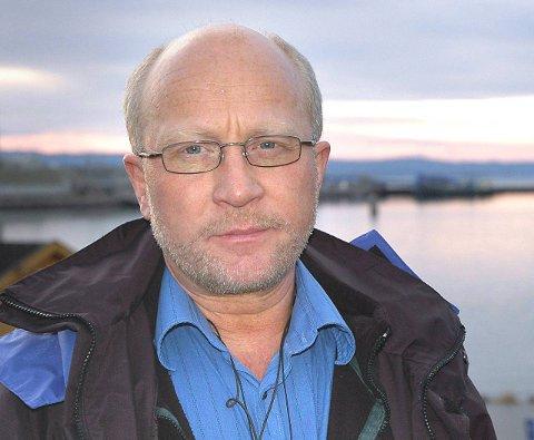 SLÅR ALARM: Børre Steinar Børresen peker på det han mener er tegn på nepotisme i Tana kommune.