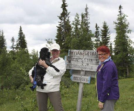 Turklare: Tone Merete Hansen og Rita Hirsum Lystad i Frogn Ap hadde utstyret i orden til denne turen i 2015, Arbeiderpartiet vil at det skal bli gratis for alle å låne turutstyr av kommunen. Foto: Arkiv