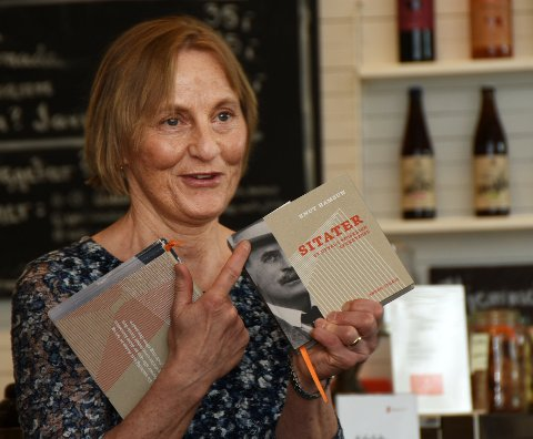 Ny bok: Alvhild Dvergsdal presenterte en ny bokutgave med Hamsun-sitater.