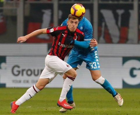 Milans nysignering  Krzysztof Piatek i søndagens seriekamp på San Siro som endte 0-0.  (AP Photo/Antonio Calanni)