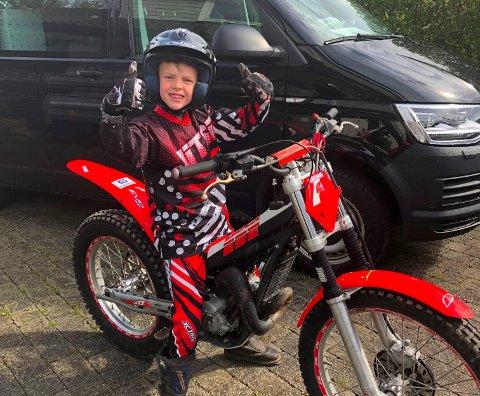 NITRIST: To tiåringar, den eine av dei Peder Johannes Holko Gustavsen blei fråstolne motorsyklane sine denne veka.