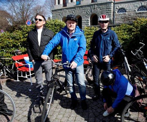 PÅ PLASS: Svein Erik Indbjo (Frp) f.v., Jarle Utne-Reitan (H), Bjarte Myklebust (KrF) og May Britt Vihovde (V).