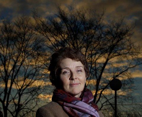 KREFT TAR KREFTER: Gunn-Marit Lygre ser lyst på livet. Hun har lagt bak seg to kreftsykdommer. – Jeg er svært takknemlig overfor det lokale helsevesenet, sier hun.
