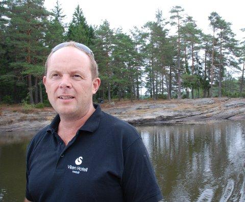 MISFORNØYD: Kjell Aanerød er ikke fornøyd med hvor lang tid brannvesenet bruker til Vansjø.