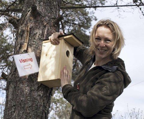 NY SERIE: Hanne Cecilia Aass tar med seg inspirasjon og ideer hjem i NRKs nye naturserie.FOTO: NRK