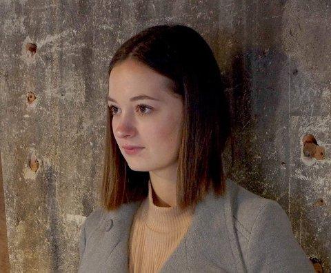 UNG POET: Anine H. Stranda leser egne dikt og en fortelling i Kulturstiftelsen Fengselet lørdag 15. februar.