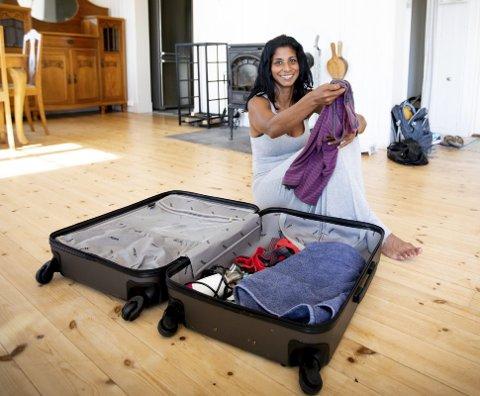 KLAR TIL AVREISE: I dag reiser Anja Leela Hageler (43) til Sri Lanka for å bo med sin biologiske familie i fem måneder.FOTO: LISBETH LUND ANDRESEN