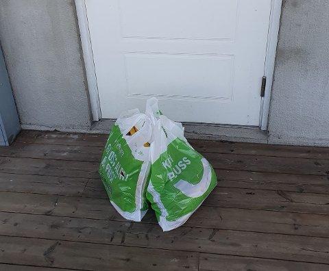 Sånn så det ut da en av RBs medarbeidere fikk mat levert på døra. #koronalivetpåromerike