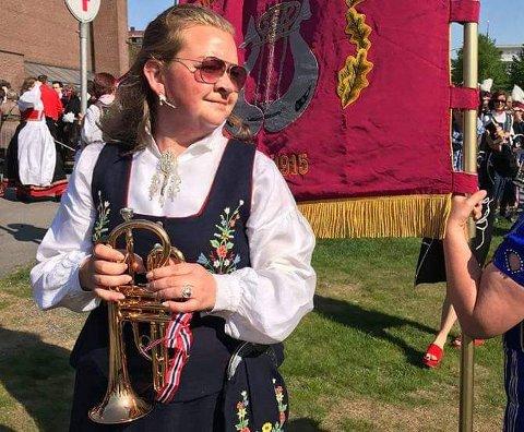 FRA TRAVEL TIL ROLIG: Våren, og spesielt maimåned, er vanligvis svært travel for korpsentusiasten Lise Jakobsen (38). Koronapandemien har imidlertid sørget før at hun har fått en rolig vår.