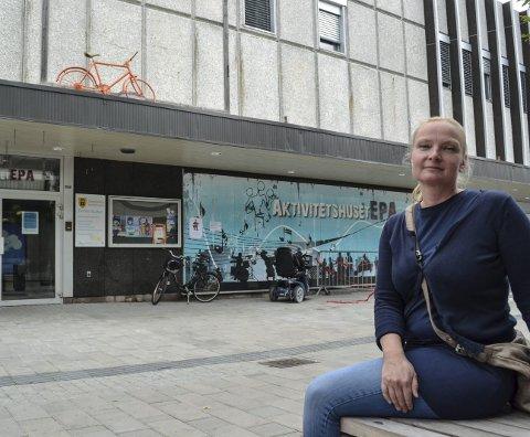 VELKOMMEN: Ingvild Toftner ønsker nye elever velkommen til kulturskolen.