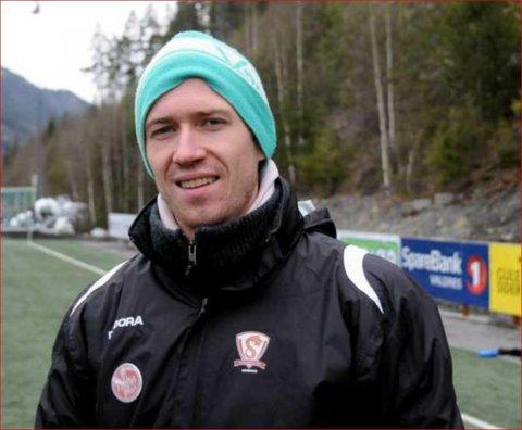Slutter: Økonomien tvinger Valdres FK til å si opp Ole Anders Ulven som trener.