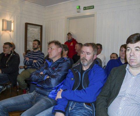 Ja til klubbhus: Mange følgde spent med i debatten om klubbhus på Austrheim.