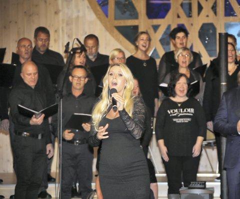 HERLEG KOR: Eit fantastisk herleg kor, sa Maria Arredondo om Knarvik gospelkoret.ALLE FOTO: Arthur Kleiveland