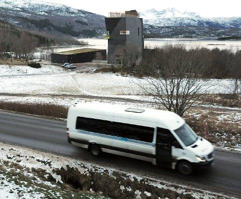 Uoversiktlig: Fylkesveien mellom Oppeid og Presteid er uoversiktlig og tidvis trafikkfarlig. I 2022 blir det gjort noe med den mest utsatte delen av strekningen
