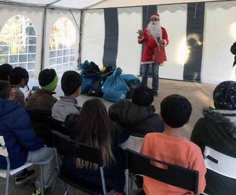 Flyktningene som ankom Bergen tirsdag fikk arrangert sin egen julefest på Vardåsen akuttmottak før jul.