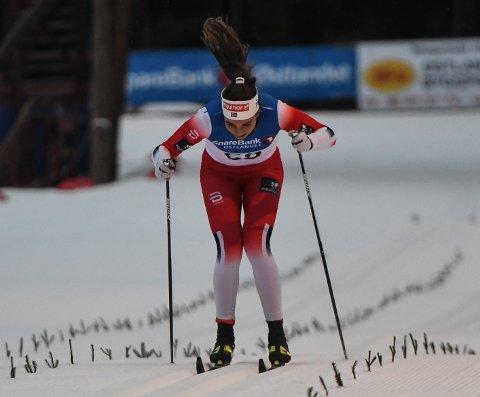 FALT: Kristine Stavås Skistad falt to ganger i kvartfinalen i verdenscupen i tyske Dresden lørdag.
