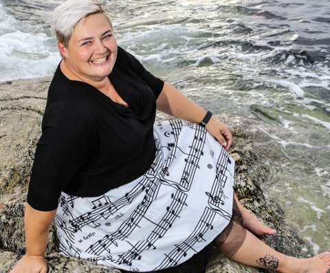 Bikkar 40: Ann-Kristin Takle Winterthun brukar 40-årsdagen til å samle inn pengar til Sykehusklovnene ved å oppsummere songkarrieren så langt.