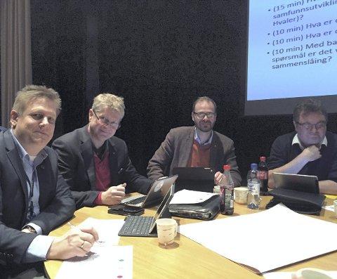 Dialog: F. v: René Rafshol, Dag W. Eriksen, Trond Svandal og Rune Fredriksen. Foto: Øivind Lågbu