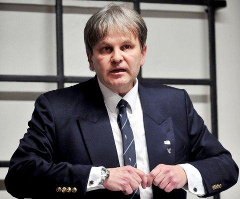 KRITISK: Leder av kontrolluvalget, Rune Grundekjøn, undrer seg over at kommuneadvokatens laget en vurdering av lovligheten først etter at man satte i gang med ordningen. Grundekjøn, som selv er jurist, ba om å få notatet utlevert.