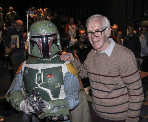 HELT FRA 1980: Jeremy Bulloch spilte Boba Fett i den femte Star Wars-filmen. Denne helgen gikk den 40 år gamle filmen inn på kinoens toppliste. Bildet er fra sci fi-festivalen i 2017.