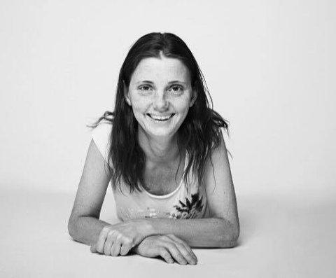 HAR STRIKKEDILLA: Siw Marita Rindhølen.