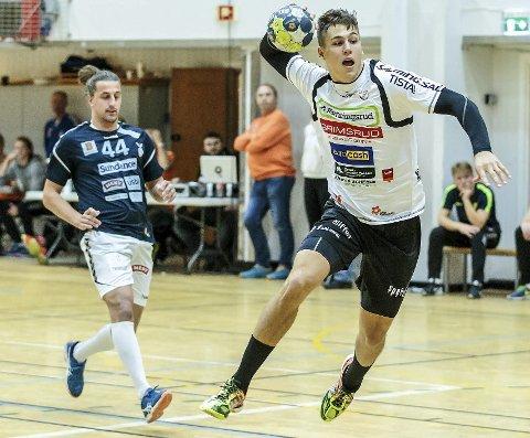 SIKRET UAVGJORT: William Nilsen-Nygaard scoret kampens siste mål til 30-30.