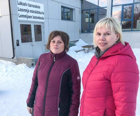FORTVILTE FORELDRE:  Bente Irene Buskum og Lisa Wilhelmsen Vidal er fortvilte over at SFO i Lakselv holder stengt i over 14 uker i år.