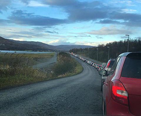 Her står trafikken helt stille. Foto: Sebastian Hjelmevoll