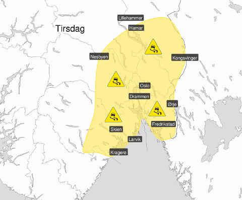 FAREVARSEL: Meteorologene advarer mot trafikale problemer på Østlandet på grunn av overgangen til mildvær og regn som fryser. Varselet gjelder fra natt til tirsdag.