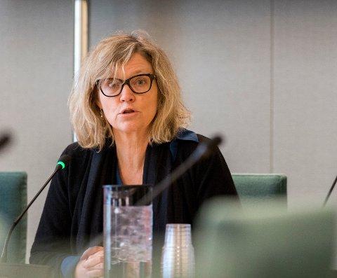 NHOs Nina Melsom ønsker debatten om sykelønn velkommen.
