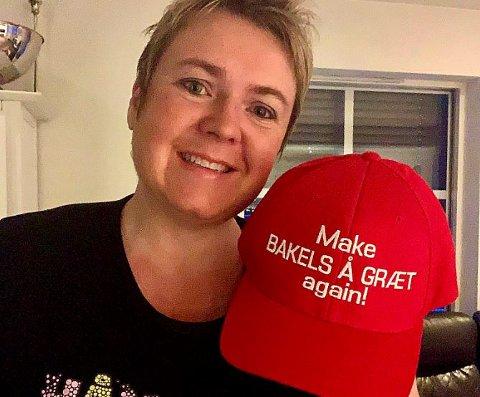 HUMOR: Heid Snekvik fikk laget denne capsen for to år siden. Forrige uke la hun ut bilde på Facebook der hun blant annet skrev at hennes budskap er mer matnyttig enn originalen til Donald Trump (Make America Great Again). Da tok det helt av, og det har ramlet inn over hundre bestillinger fra folk som digger humoren og vil ha samme caps som Snekvik.