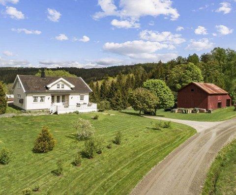 Nytt hjem: I juni i 2021 tar Rita Syvertsen og Jan Ivar Tronstad over gården de har kjøpt på Vehus, ikke så langt fra Dølemo.
