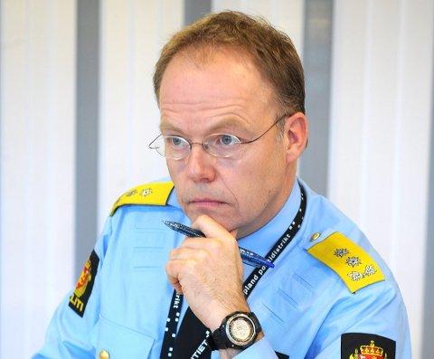 Påtaleleder i Innlandet politidistrikt, Johan Martin Welhaven, sier de kan rykke ut raskt for å få hyttefolk ned fra fjellet, om hytteforbudet trår i kraft, og det er nødvendig.