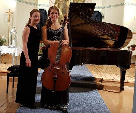 DYKTIGE MUSIKERE: Pianist Ilze Jaunzeme og Agate Ozolina på cello er klare for konsert fredag.