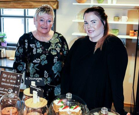 Solfrid Sveum (65) og Marit Sveum Joløkken (30)åpner kafeen Sult i Mjøndalen.
