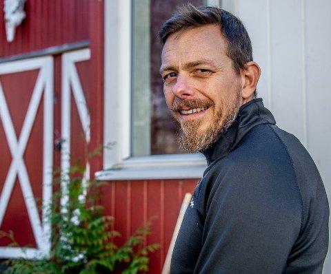 Psykolog Anders Lindskog er ikke overrasket over at koronakrisen ikke har ført til en økning i antall samlivsbrudd.